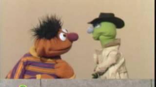 getlinkyoutube.com-Sesame Street: Wanna Buy An Eight Ernie?