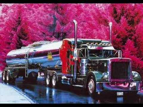 En ruta transparencias grandes camiones