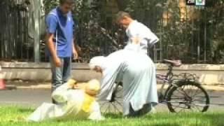 getlinkyoutube.com-Tkbar Ou Tnssa - Episode 22 - Ramadan 2011 - تكبر وتنسى