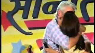 YouTube - Richard Gere kissing Shilpa Shetty.flv width=