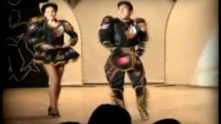 getlinkyoutube.com-Sayas - Baile Caliente - kalamarka (pareja de caporales)