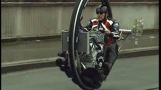 getlinkyoutube.com-Monowheel, Monocycle, V8 Einradmotorrad, Kerry McLean, TV Beitrag Abenteuer Auto Kabel1