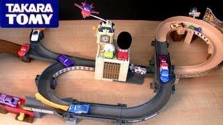 getlinkyoutube.com-Tomica London Action Circuit WGP Playset Cars 2 Takara Tomy Disney Pixar review World Grand Prix