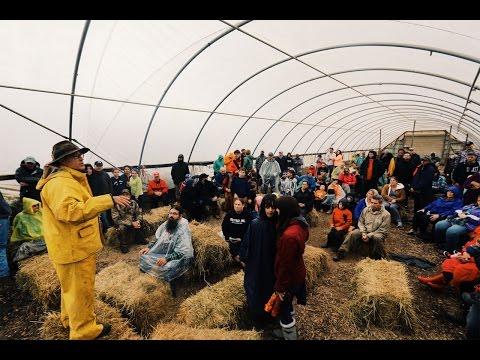 Joel Salatin - Solving World Problems (With Farming)