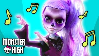 "getlinkyoutube.com-""Gaga for Ghouls"" Official Music Video l Monster High"