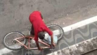 getlinkyoutube.com-Bêbado de Bicicleta