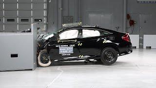 getlinkyoutube.com-2016 Honda Civic 4-door small overlap IIHS crash test