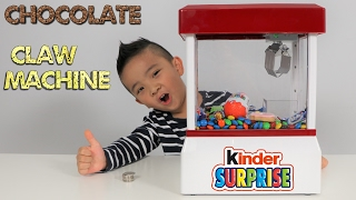 getlinkyoutube.com-Chocolate Candy CLAW MACHINE Fun With Kinder Surprise Egg Peppa Pig Cookie Chupa Chups M&M's Ckn Toy