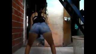 getlinkyoutube.com-chicas bailando candy (nuevo)
