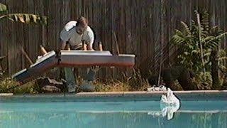 getlinkyoutube.com-Dog Sinks Titanic