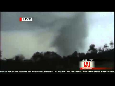 Tornado Destroying central Oklahoma, Kansas - raw video: May 19, 2013