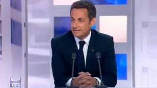 """getlinkyoutube.com-Les images de Sarkozy en """"off"""" avant son interview sur F 3"""