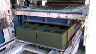 getlinkyoutube.com-Изготовление зеленого сплиттерного блока