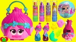 getlinkyoutube.com-Trolls Poppy Purse Glam Layered Lip Gloss and LOL Surprises