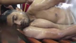 مشاهد مبكيه لتغسيل الشهيد حسين مهدي على المغتسل BAHRAIN#
