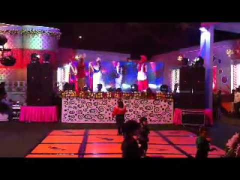 bhangra performens with stage show- by sindhi events