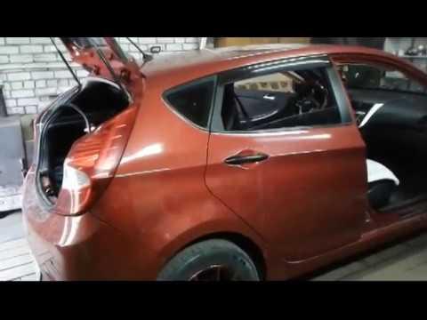 Hyundai Solaris Hatchback  разбираем обшивку потолка