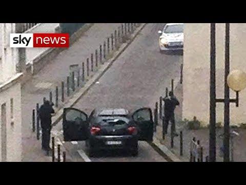 لحظة الهجوم على مقر شارلي بباريس