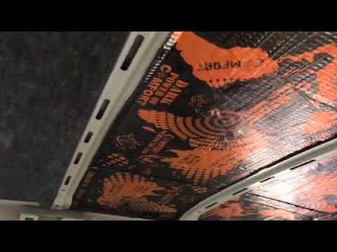Демпфирование потолка на Шкода Кодиак производится трехмиллиметровым Comfort mat Dark D3