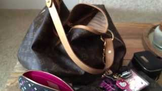 What's in my Louis Vuitton Delightful MM