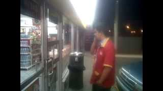 getlinkyoutube.com-Fantasma en OXXO Parques del Bosque