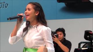 getlinkyoutube.com-Yaya @ Motor Expo 2012 -เล่นของสูง
