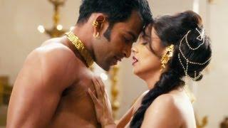 getlinkyoutube.com-Aga Bai Aiyya Full Song | Rani Mukherjee, Prithviraj Sukumaran