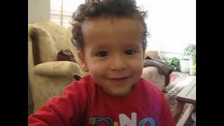 getlinkyoutube.com-my cute nephewیه توپ دارم گیل گیلیه ...من این توپو جیش دارم