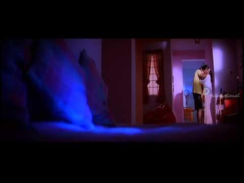 Punnagai Poove - Nandha kisses Kaveri