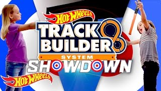 getlinkyoutube.com-Track Builder Showdown! Sophia vs. Roman | Track Builder | Hot Wheels