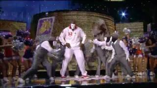 getlinkyoutube.com-Shaq dances with Jabbawockeez at All Star