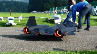 getlinkyoutube.com-The New R/C Lockheed SR-71 Blackbird by Roger Knobel with After-Burn Hausen flight day 2014
