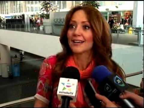Andrea Legarreta Orgullosa de sus hijas- Estrella TV