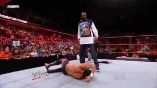 getlinkyoutube.com-WWE RAW 19/10/09 Snoop Dogg Spears Chavo Gurrerro