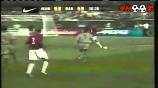 getlinkyoutube.com-Ronaldinho vs Manchester United 2003 All goals