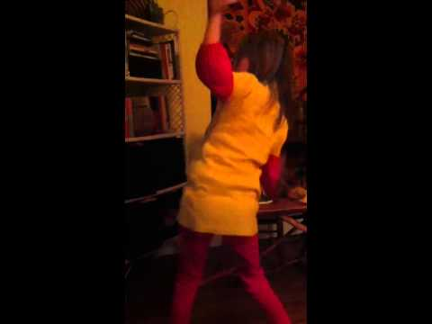 Tara's little shakebutt dance