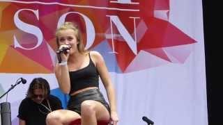 getlinkyoutube.com-Zara Larsson - She's Not Me (Live, Bråvalla Festival, Norrköping, Sweden - 2015-06-27)