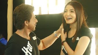 When Shahrukh Khan cutely adjusted Anushka Sharma's hair | Video