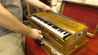 1661 - Wood Indian Harmonium LM 44 $495 width=
