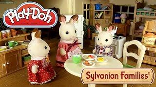 getlinkyoutube.com-Завтрак для мамы. Лепим завтрак из плей до вместе с малышами Сильваниан Фэмилис