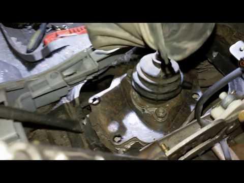 Mitsubishi Pajero Sport.Замена сальника АКПП и заднего коренного сальника.