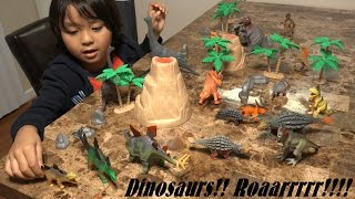getlinkyoutube.com-Prehistoric Dinosaur Toys: 20 Dinosaurs in a Plastic Container Unboxing :-)
