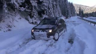 getlinkyoutube.com-Dacia Duster on snow and ice