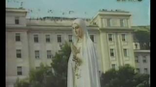 getlinkyoutube.com-Reza, ten fe, y no te preocupes, Padre Pío 5 de 6