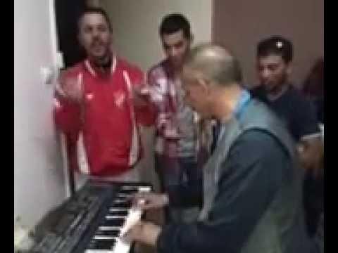 Session musicale au Centre culturel de Tazoult (Batna)