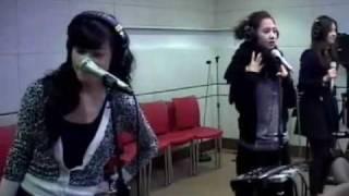 getlinkyoutube.com-SNSD sings Oh! @ ChinChin 100205