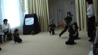 getlinkyoutube.com-танец спецназа в детском саду