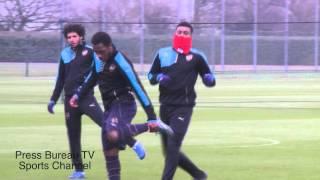getlinkyoutube.com-Arsenal Training Session pre Barcelona vs Arsenal