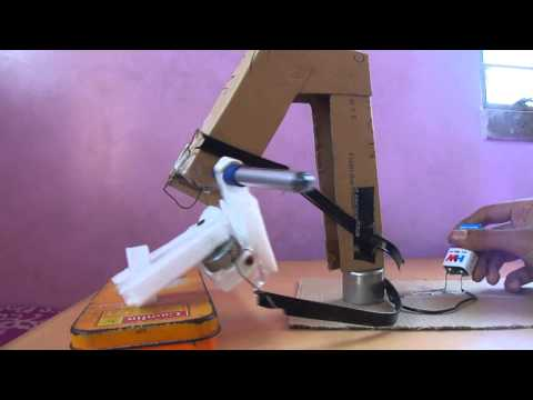 Homemade Robotic Arm / Mechanincal arm Working Model