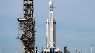 SpaceX Falcon Heavy launch width=